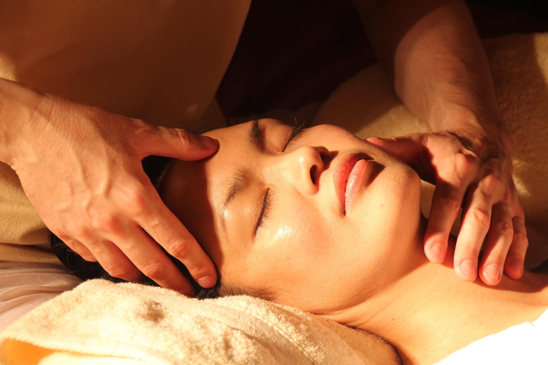 Bild: pixabay - massage - by KaiMinao - 1929064_1920